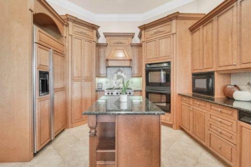 8234-Stone-Mason-Ct--Windermere--FL-34786----21---Kitchen.jpg