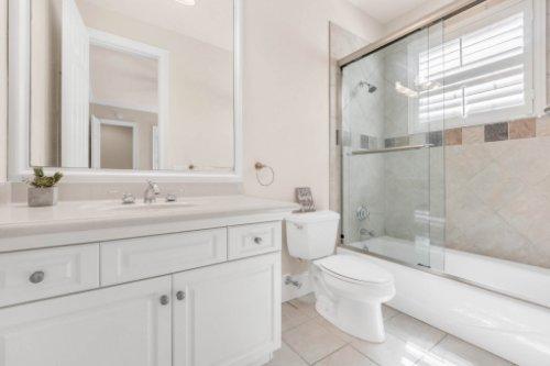 8234-Stone-Mason-Ct--Windermere--FL-34786----33---Bathroom.jpg