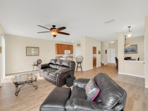 1721-Pine-Oak-Trail--Sanford--FL-32773----06---Family-Room.jpg