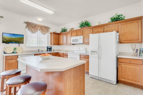 2719-Amanda-Kay-Way--Kissimmee--FL-34744----17---Kitchen.jpg