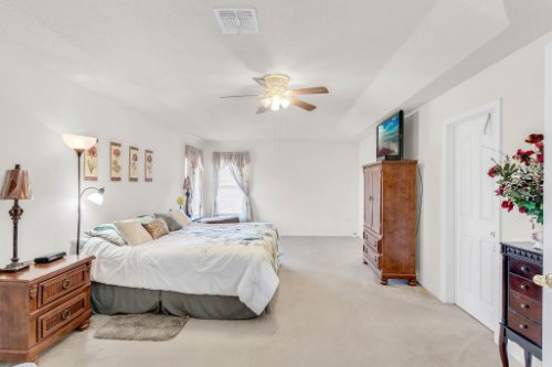 2719-Amanda-Kay-Way--Kissimmee--FL-34744----25---Master-Bedroom.jpg