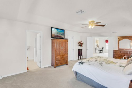 2719-Amanda-Kay-Way--Kissimmee--FL-34744----28---Master-Bedroom.jpg