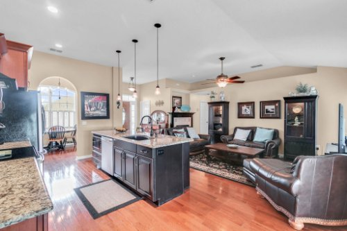 2251-Jessica-Ln--Kissimmee--FL-34744----14---Kitchen.jpg