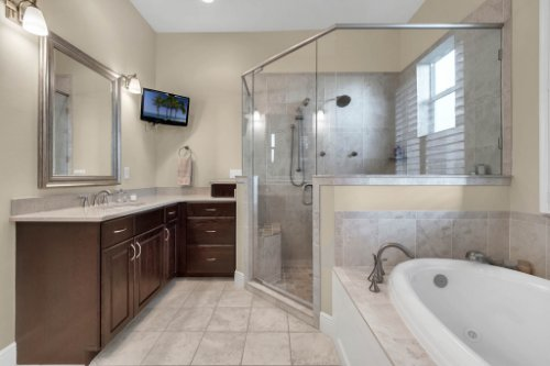 10403-Thompson-Pl--Clermont--FL-34711----20---Master-Bathroom.jpg