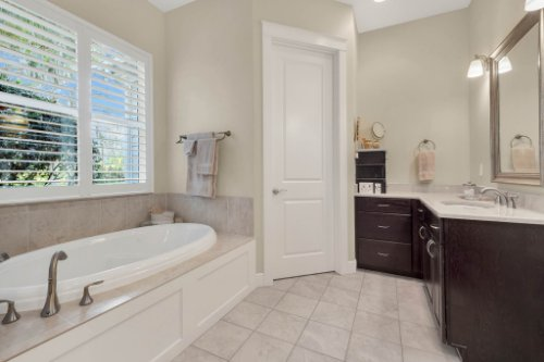 10403-Thompson-Pl--Clermont--FL-34711----21---Master-Bathroom.jpg