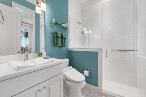 10403-Thompson-Pl--Clermont--FL-34711----27---Bathroom.jpg