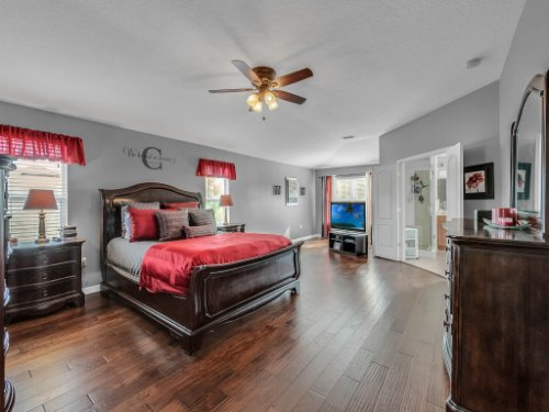 5549-Oakworth-Pl--Sanford--FL-32773----24---Master-Bedroom.jpg