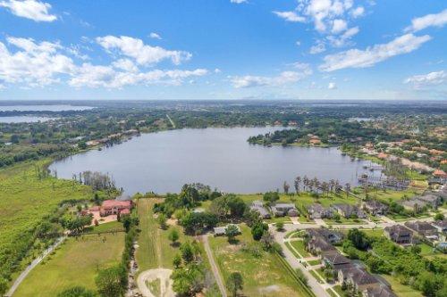 1837-Lake-Roberts-Ct--Windermere--FL-34786----01---Aerial--2----Extra-Shot.jpg