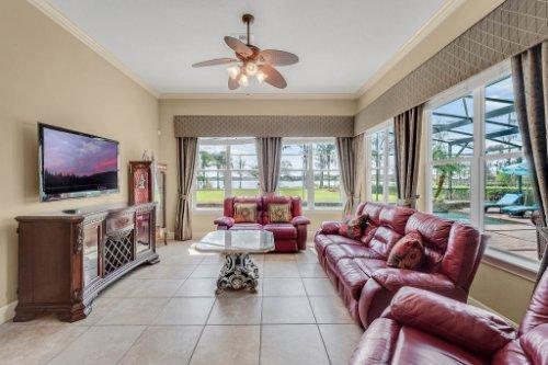 1837-Lake-Roberts-Ct--Windermere--FL-34786----17---Family-Room.jpg