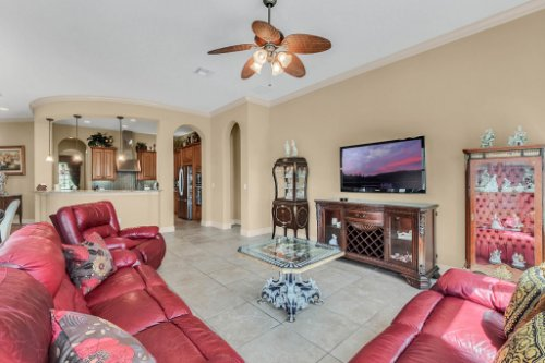1837-Lake-Roberts-Ct--Windermere--FL-34786----19---Family-Room.jpg