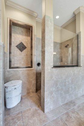1837-Lake-Roberts-Ct--Windermere--FL-34786----30---Master-Bathroom.jpg