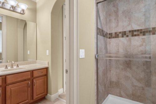 1837-Lake-Roberts-Ct--Windermere--FL-34786----36---Bathroom.jpg