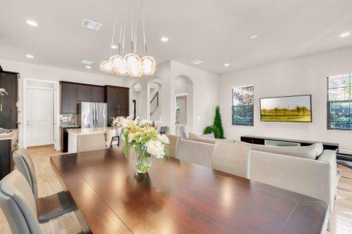 7689-Toscana-Blvd--Orlando--FL-32819---17---Dining-Room-copy.jpg