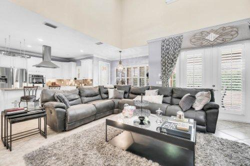 1241-Bella-Vista-Cir--Longwood--FL-32779----12---Family-Room.jpg