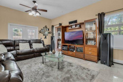 1755-E-Lagoon-Cir.-Clearwater--FL-33765--10--Family-Room-1----2.jpg