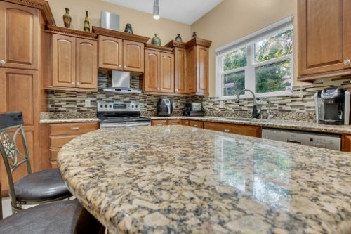 1755-E-Lagoon-Cir.-Clearwater--FL-33765--13--Kitchen-1----2.jpg
