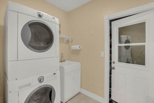 1755-E-Lagoon-Cir.-Clearwater--FL-33765--33--Laundry-Room.jpg