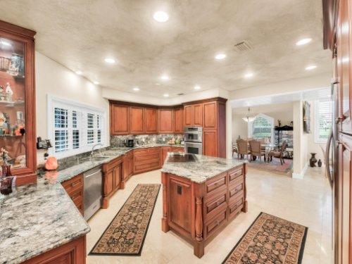 1445-Shadwell-Cir--Lake-Mary--FL-32746----19---Kitchen.jpg