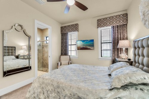 1284-Grand-Traverse-Pkwy--Reunion--FL-34747----29---Master-Bedroom.jpg