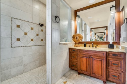 1284-Grand-Traverse-Pkwy--Reunion--FL-34747----30---Master-Bathroom.jpg