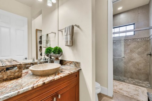1284-Grand-Traverse-Pkwy--Reunion--FL-34747----32---Master-Bathroom.jpg