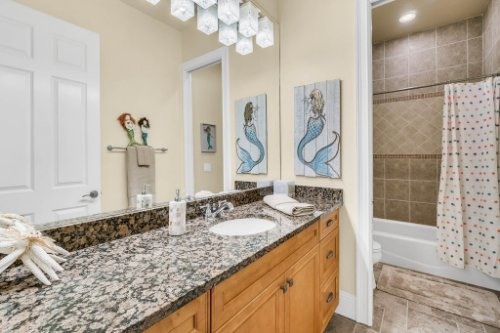 1284-Grand-Traverse-Pkwy--Reunion--FL-34747----37---Bathroom.jpg