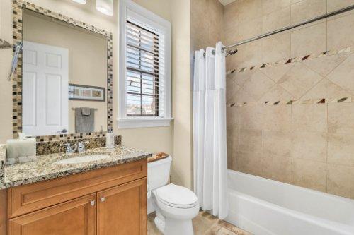 1284-Grand-Traverse-Pkwy--Reunion--FL-34747----41---Bathroom.jpg