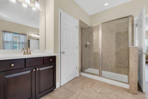 8929-Blue-Mesa-Dr--Windermere--FL-34786----22---Master-Bathroom.jpg