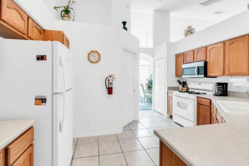 15931-Heron-Hill-St--Clermont--FL-34714----12---Kitchen.jpg