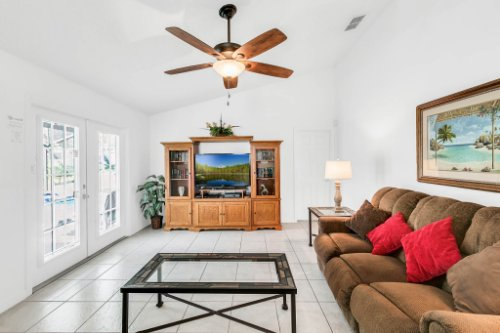15931-Heron-Hill-St--Clermont--FL-34714----15---Family-Room.jpg