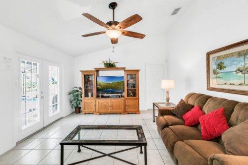 15931-Heron-Hill-St--Clermont--FL-34714----15---Family-Room.jpg