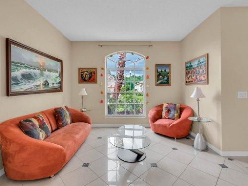 1310-Royal-St-George-Dr--Orlando--FL-32828----09---Living.jpg