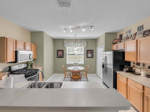 1310-Royal-St-George-Dr--Orlando--FL-32828----12---Kitchen.jpg