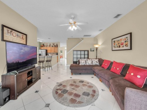 1310-Royal-St-George-Dr--Orlando--FL-32828----18---Family-Room.jpg