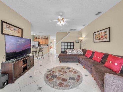 1310-Royal-St-George-Dr--Orlando--FL-32828----18---Family-Room.jpg