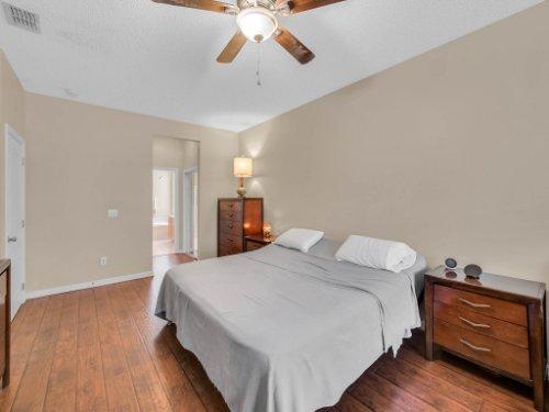 1310-Royal-St-George-Dr--Orlando--FL-32828----22---Master-Bedroom.jpg