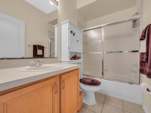 1310-Royal-St-George-Dr--Orlando--FL-32828----26---Bathroom.jpg