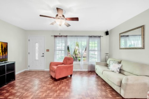 157-Birchwood-Dr--Maitland--FL-32751----04---Family-Room.jpg