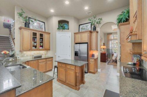 14604-Ave-of-the-Rushes--Winter-Garden--FL-34787----18---Kitchen.jpg