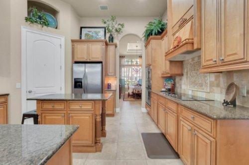 14604-Ave-of-the-Rushes--Winter-Garden--FL-34787----19---Kitchen.jpg