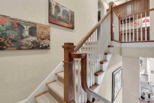 14604-Ave-of-the-Rushes--Winter-Garden--FL-34787----22---Stairwell.jpg