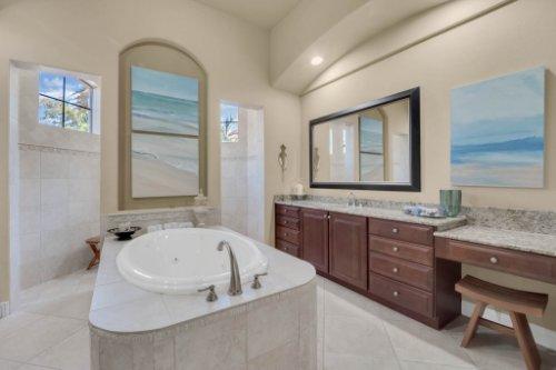 14604-Ave-of-the-Rushes--Winter-Garden--FL-34787----32---Master-Bathroom.jpg