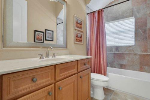 14604-Ave-of-the-Rushes--Winter-Garden--FL-34787----34---Bathroom.jpg