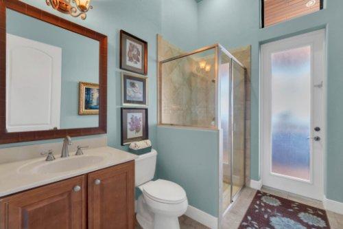 14604-Ave-of-the-Rushes--Winter-Garden--FL-34787----36---Bathroom.jpg