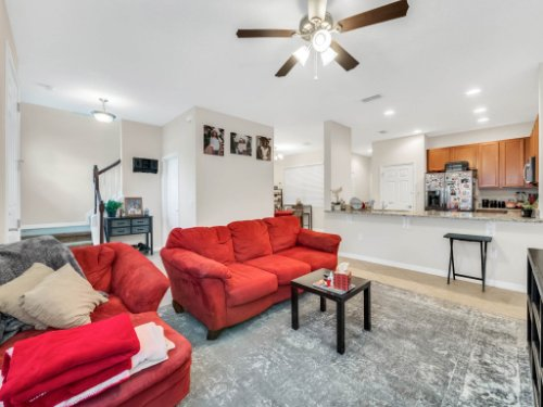 12861-Tanja-King-Blvd--Orlando--FL-32828----08---Family-Room.jpg