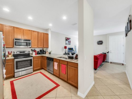 12861-Tanja-King-Blvd--Orlando--FL-32828----12---Kitchen.jpg