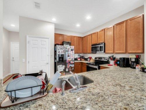 12861-Tanja-King-Blvd--Orlando--FL-32828----14---Kitchen.jpg