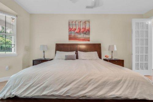 27701-Cypress-Glen-Ct--Yalaha--FL-34797----25---Master-Bedroom.jpg