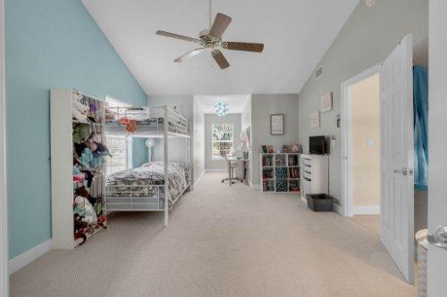 27701-Cypress-Glen-Ct--Yalaha--FL-34797----30---Bedroom.jpg