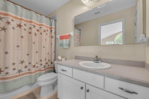 27701-Cypress-Glen-Ct--Yalaha--FL-34797----31---Bathroom.jpg